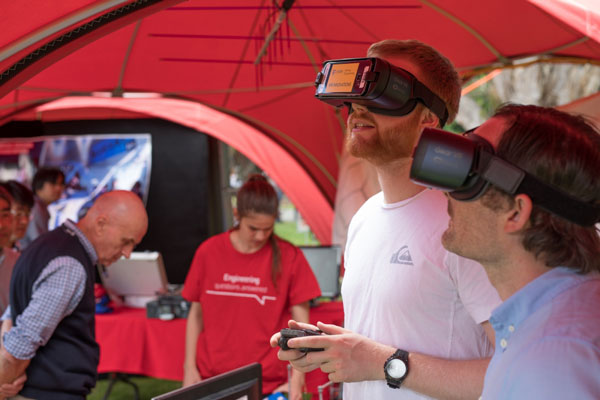 UNSW Mining students in VR training
